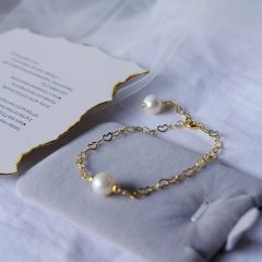 Single White Cultured Pearl Gold Plated Chain Heart Link Bracelet Minimalist Jewelry for Women